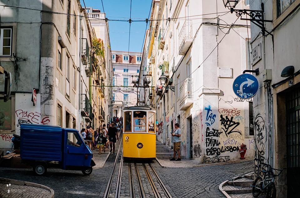 Kolorowy bałagan, czyli rodzinny spacer po Lizbonie
